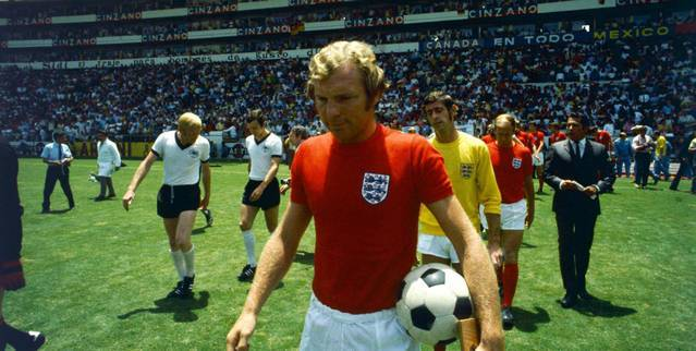 bobby-moore-england-germany-world-cup-1970